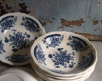 Set of six blue and white ironstone bowls, farmhouse chic, vintage