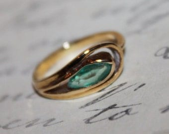Vintage 14K and Aquamarine Unique Ring, Pinkie Ring, size 4.25
