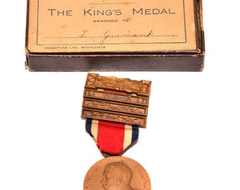 1915 The King's Medal London County Council Attendance Medal with Box Named to L Garment Vintage Medal Vintage Medallion Vintage School