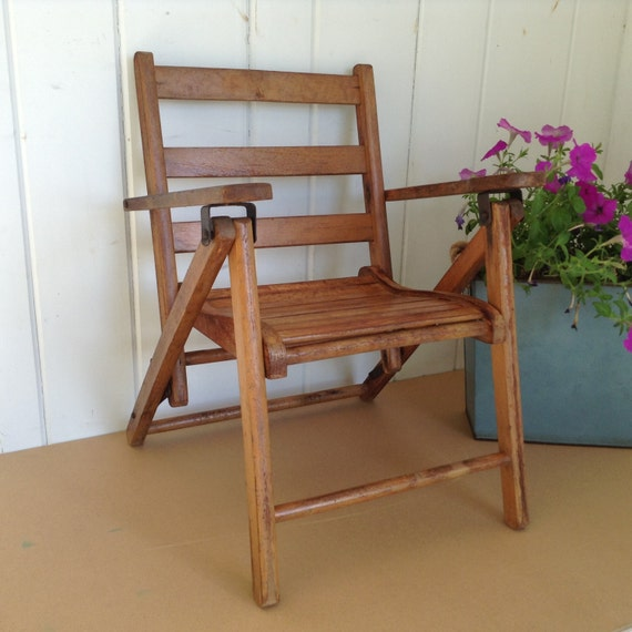 Childs Folding Wooden Arm Chair Card Table Chair Banquet Chair