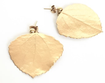 Pretty Gold Dangle Leaf Earrings