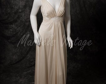 Vintage Olga Nightgown Ivory Bodysilk Lingerie Size Small 70's Style 9285