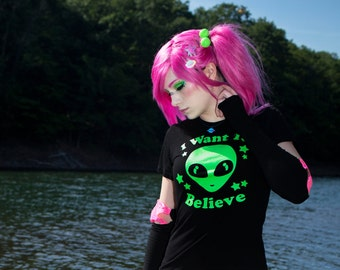 I Want To Believe Shirt - Grunge Clothing, Grunge T Shirt, Alien Shirt, Geek Gift, Soft Grunge Shirt, Galaxy Geekery