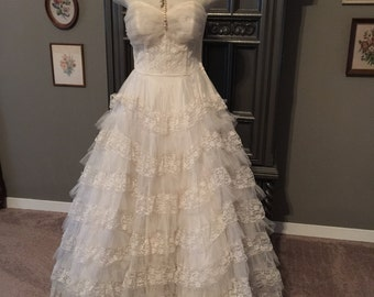 50s Strapless Tulle and Lace Ruffled Wedding Dress