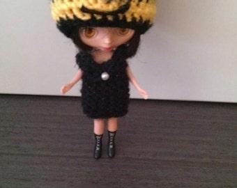 MINION Hat to Petite Blythe
