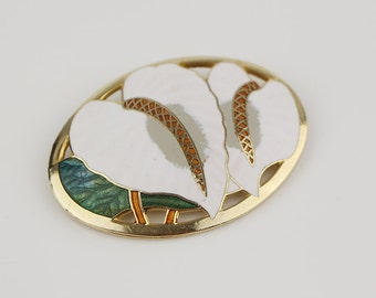 Calla Lily Cloisonne 1980s Oval Ladies Brooch Gold Plated with White and Green Enamel