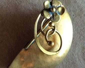 Sale - Beautiful Antique Brooch Pin with C Clasp Closure