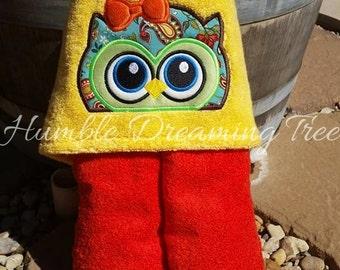 Peeker Yellow/ Orange Owl Embroidered Hooded Towel Applique' Peeking Design Beach Bath Pool Flower Fabric