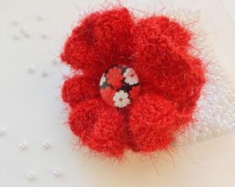 Red crochet flower brooch, shaggy yarn flower brooch, red jewelry, fluffy brooch, red crochet accessory for coat, gift for her, gift for mom