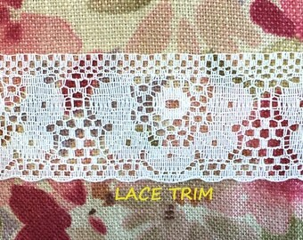 4 YARDS, WHITE 1-7/16 Inch, Insertion Lace Sewing Trim, Large Daisies, Straight Eyelet Edge, L269