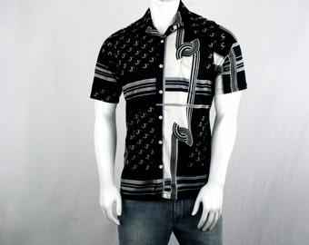 1970s Graphic Nylon Knit Short Sleeve Shirt Disco Shirt