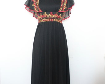 Vintage Ethnic inspired maxi dress with flutter sleeves - Creations Georgede Paris