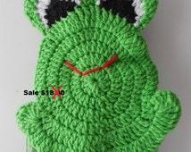 Frog Crochet hanging towel - Green - Handmade Crochet - Decorative Towel - Reduced - Clearance - Kitchen Towel - Dish Towel - Ready to Ship