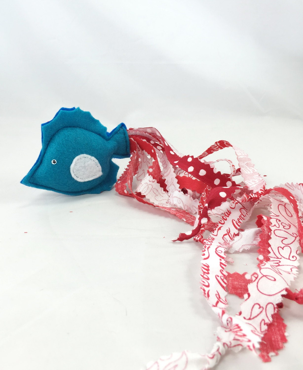 Fish cat toy unique fish plushie cat toy red white blue for Fish cat toy