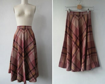 1970s plaid skirt | vintage 70s plaid skirt | wool skirt | extra small | The College Town Skirt
