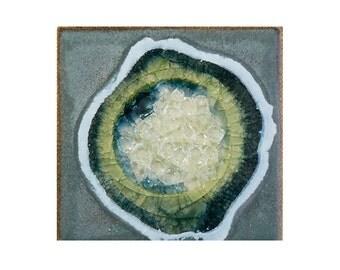 Geode Crackle Coaster: Ceramic Drink Coaster, Fused Glass Beverage Coaster, in GRAY