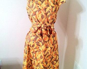 Vintage Yellow Orange Autumn Leaves Dress with Collar