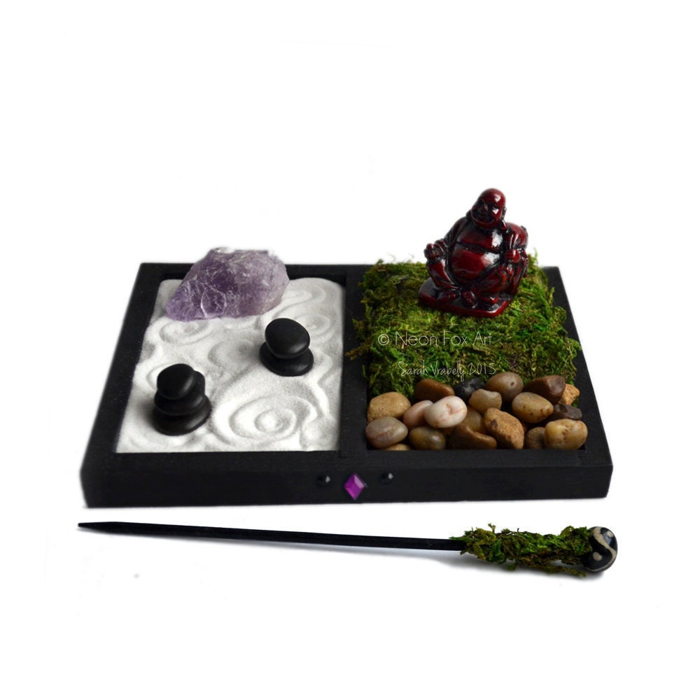 Mini zen garden laughing buddha statue desk accessory for Jardin zen miniature