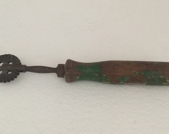 Brass Pastry /Pie Cutter/Crimper/Wood Handle/Green Paint/ Made in Germany/Rotary Wheel/Brass Crimper/Pastry Cutter/ Crafting/Sewing/Kitchen