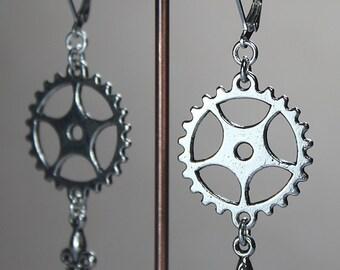Gearwheel-Earrings Steampunk-Style