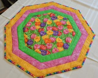 Tulips Quilted Table Runner (M34)