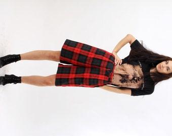 Vintage Red Plaid Shorts / Tartan Shorts / Checked Shorts / Scottish Style Shorts / Midi Shorts / Size M / 38