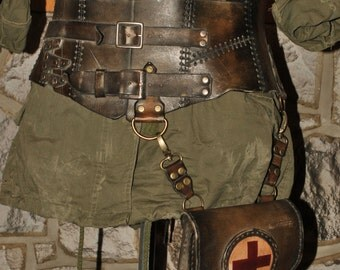 wasteland leather corset and pouch
