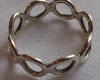 Vintage sterling silver link ring