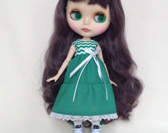 Green sleeveless spring dress for Blythe doll