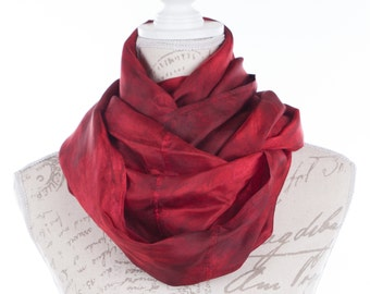 Trendy infinity scarf  / Burgundy infinity silk scarf / red wine circle scarf/ red circle scarf / Hand dyed / 100% habotai silk