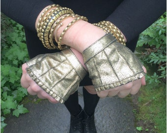Gold Leather Fingerless Gloves~Burlesque Gloves~Vintage 80s~Fingerless Leather Gloves~Wedding Gloves~Fingerless Gloves~Biker Gloves~Vedora