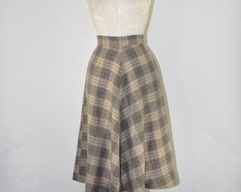 60s gray plaid skirt / vintage wool tweed skirt / 1960s tartan full skirt