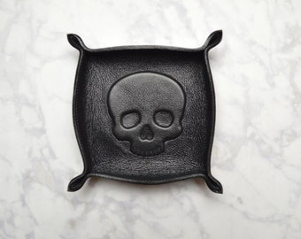 skull leather tray / catch all / ring tray / dresser organizer / valet tray / jewelry bowl / jewelry organizer / unisex / mens womens / gift