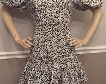 Leslie Lucks Totally Awesome 80's puffy sleeve Black and White Floral Dress / Medium