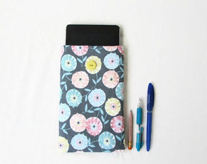 Floral Kindle case, 7 inch tablet sleeve, handmade in the UK