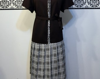 1960's Plus Size Brown Plaid Mod Shift Dress, Size 22 1/2 3XL,  1970's Textured Pleated Hipster Dress, Size 22 1960's Mod Diner Dress