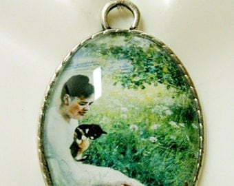 Woman playing with kittens pendant with chain - CAP09-058
