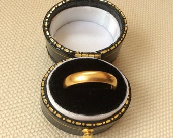 1928 Solid 22ct Gold Band