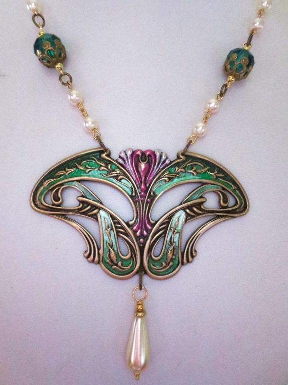 nouveau necklace deco vintage style necklace green