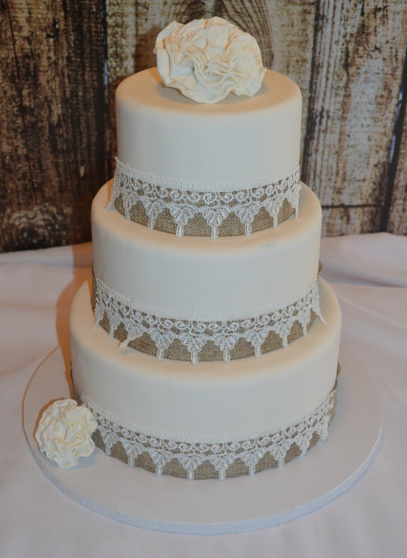 rustic wedding cakes without fondant three tier fondant wedding cake wedding cake faux 19573
