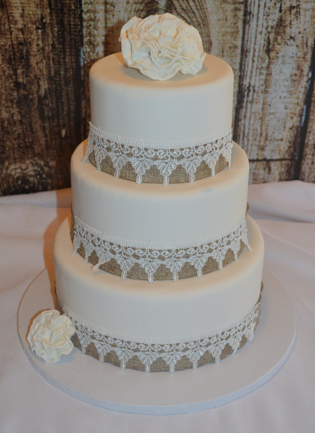 fake wedding cakes northern ireland three tier fondant wedding cake wedding cake faux 14138