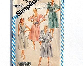 Vintage 80's Sewing Pattern - Simplicity Misses Pullover Dress #6334 - Size 12+14+16 - UNCUT and Factory Folded