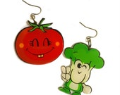 Tomato & Broccoli Pop Art Style Earrings, Retro Vintage Art Print, Vegetables, Food Earrings, Green, Red, Cool Gift, foodie, Mom, kitchen