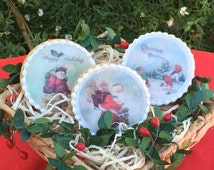 Edible Christmas Holiday Retro vintage, Wafer and Rice Paper,  Cookie, Cupcake and Treat Toppers Decorations