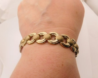 Ladies Design 10K Yellow Gold Bracelet 7 Inches
