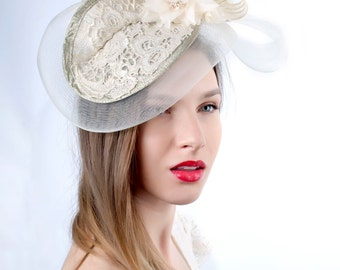 Cream Wedding hat, Wedding headpiece, Romantic hat, Ivory gold fascinator, Cream Bridal fascinator, Bridal fascinator, lace wedding hat