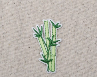 Bamboo - Green Grass - Sugar Cane - Embroidered Patch - Iron on Applique - 694934C