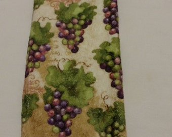 Bunches of Grapes Knob Style Hanging Kitchen Towel