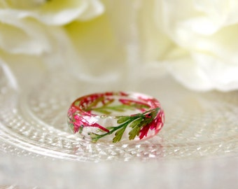 Resin / ring / green red / Pressed Flowers, Real Flower Jewelry, Resin Jewelry, Dried Flower, Plant Ring, Terrarium Jewelry, Gift for her