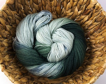 Run into the woods - Handdyed merino nylon superwash sock yarn